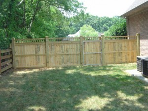 traditional wood fence with accent 06 2012(7)