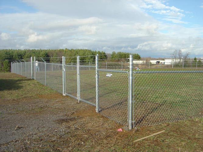 Benefits Of Chain Linked Fence For Businesses